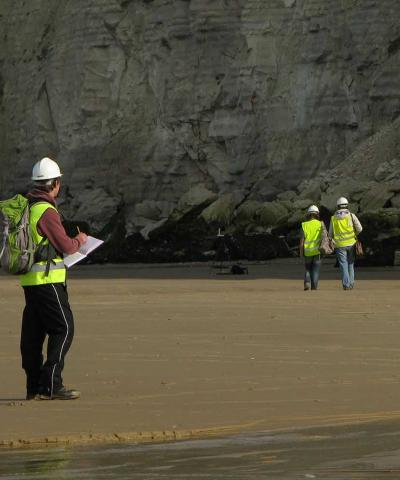 geoscience students studying the geology of Cap Blanc-Nez